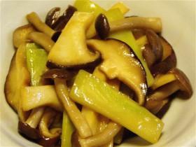 きのことブロッコリーの茎の炒め物-2015.7.30