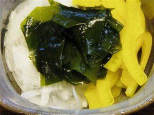 新玉ねぎとわかめの酢醤油かけ-2016.6.20