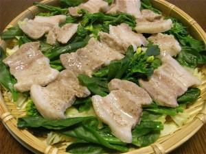 菜の花と豚肉の蒸し物